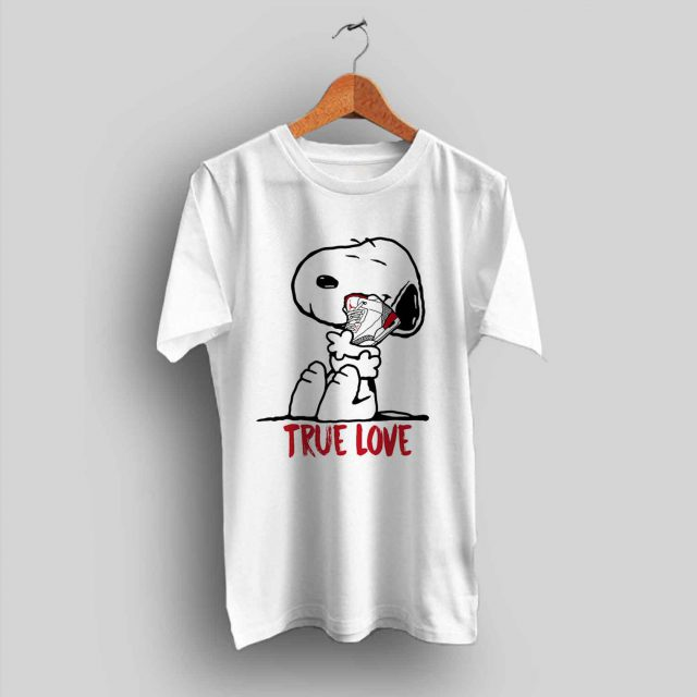 Funny Snoopy Love Sneakers Urban T Shirt - Streetwear
