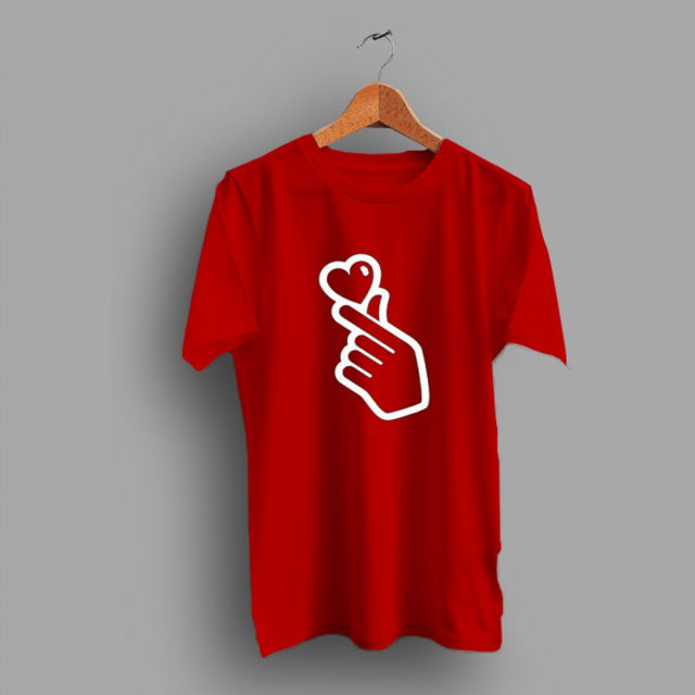 Little Finger Heart Hang Gift Family T Shirt